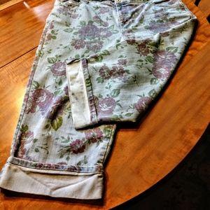 Gloria Vanderbilt Amanda floral, blue jean capris